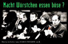 macht-wuerstchen-essen-boese-11_680x440